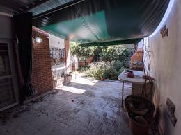 Foto Casa en Venta en  Cinco Esquinas,  Rosario  Cafferata 2084 - Casa Frente