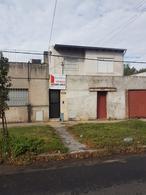 Foto Casa en Venta en  Barrio Industrial,  Rosario          Velez Sarfield al 1800