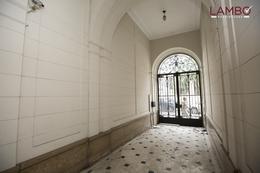 Foto Local en Venta | Alquiler en  San Telmo ,  Capital Federal  San Telmo -Defensa y Mexico