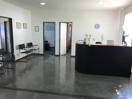 Foto Edificio Comercial en Alquiler en  Adrogue,  Almirante Brown  Amenedo al 400