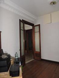 Foto Apartamento en Venta en  Centro (Montevideo),  Montevideo  Apartamento 160 m2 - 18 de Julio y Yaguarón