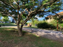 Foto Casa en Alquiler en  Altos de La Tahona,  Countries/B.Cerrado (Carrasco)  Altos de la Tahona - gran fondo - 2 plantas