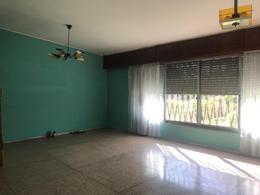 Foto Casa en Alquiler en  Carrasco ,  Montevideo  Lancasteriana esquina Maximo Tajes