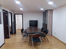 Foto Oficina en Alquiler en  Centro Norte,  Quito  Oficina amoblada, reconocido edificio en centro financiero, La Paz