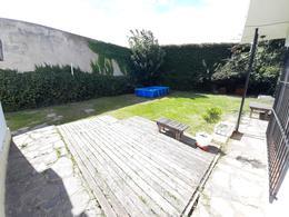 Foto Casa en Venta en  Moron ,  G.B.A. Zona Oeste  Belgrano al 1600