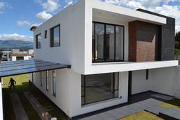 Foto Casa en Venta en  Rumiñahui ,  Pichincha  HACIENDA CAPELO