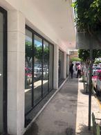 Foto Local en Renta en  Ecatepec de Morelos ,  Edo. de México  Local en renta en  Hermeregildo Galeana, Esquina con Nicolas Bravo a 100 metros del Palacio Municipal, ideal para franquicias, banco y areas de gobierno
