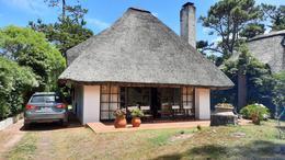 Foto Casa en Venta en  Pinares,  Punta del Este  Abeja e Hidra