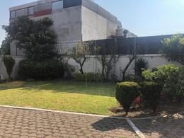 Foto Casa en Venta en  Lomas de Tecamachalco,  Huixquilucan  SKG Asesores Inmobiliarios VENDE Casa Lomas de Tecamachalco en Cerrada con doble vigilancia