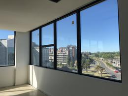 Foto Oficina en Venta en  Countries/B.Cerrado (Tigre),  Tigre  Bahía Grande, Estudios de la Bahía, Avda del Puerto, Nordelta, Tigre.Venta con renta, Importante  Oficina Loft de 111 m2