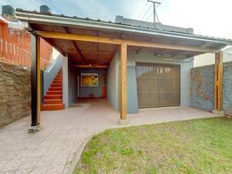 Foto Casa en Venta en  Alberdi,  Rosario  Agrelo al 1500