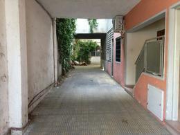 Foto Local en Venta | Alquiler en  Goes ,  Montevideo  Goes