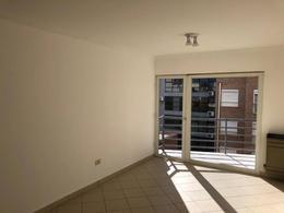 Foto Departamento en Venta en  Área Centro Este ,  Capital  Caviahue  al 200