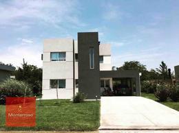Foto Casa en Venta en  Countries/B.Cerrado (Berazategui),  Berazategui  Autopista Buenos Aires La Plata 1