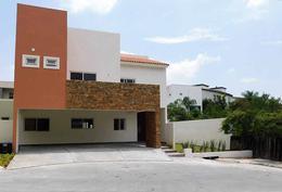 Foto Casa en Venta en  Fraccionamiento los azulejos,  Monterrey     Casa en venta en Los Azulejos , Carretera Nacional, Monterrey