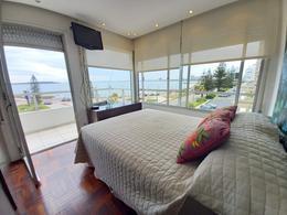 Foto Departamento en Venta en  Playa Mansa,  Punta del Este  Venta - Playa Mansa, Penthouse con vista al mar