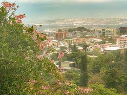 Foto Departamento en Renta en  San Rafael,  Escazu  Amplio /  3 terrazas / Exc vista