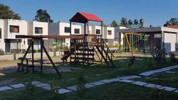 Foto Casa en Venta en  Solymar ,  Canelones  José Pedro Varela y Márquez Castro