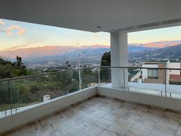 Foto Departamento en Alquiler | Venta en  Miravalle,  Quito  Miravalle