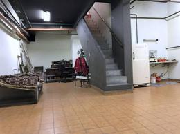 Foto Local en Alquiler en  Recoleta ,  Capital Federal  PARAGUAY al 1400