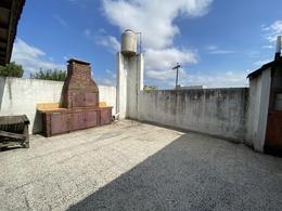 Foto Galpón en Venta | Alquiler en  Lanús ,  G.B.A. Zona Sur  Anatole France al 260