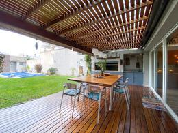 Foto Casa en Venta en  Quilmes,  Quilmes  Pringles al 600