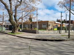 Foto Casa en Venta en  Buceo ,  Montevideo  Bauza y Rivas , gran esquina proximo wtc !!