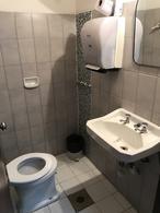 Foto Casa en Venta en  Tres Cruces ,  Montevideo  Ferrer Serra esq Defensa - Ideal Empresa