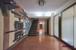 Foto thumbnail Departamento en Venta en  Recoleta ,  Capital Federal  Azcuenaga al 1000
