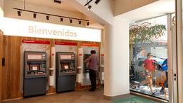 Foto Local en Alquiler en  Recoleta ,  Capital Federal  AV. LAS HERAS al 3000
