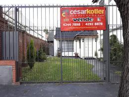 Foto Casa en Venta en  Temperley Este,  Temperley  Julian de Casal 989