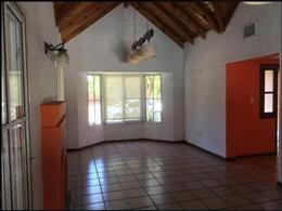 Foto Casa en Venta | Alquiler en  Campos De Echeverria,  Countries/B.Cerrado  Impecable alquiler c/ pileta en Campos de Echeverria