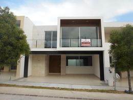 Foto Casa en Renta en  Residencial Punta del Este,  León  Casa en renta con cuarto de servicio!