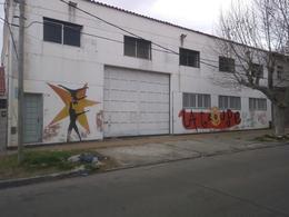 Foto Depósito en Alquiler en  Banfield,  Lomas De Zamora  Melo al 100