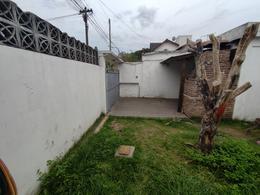 Foto Casa en Venta en  Moron Sur,  Moron  Humaita 1596. Moron
