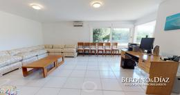 Foto Casa en Venta en  Península,  Punta del Este  Exclusiva  Propiedad Sobre el Mar, en  La Rambla de la Península de Punta del Este !!!