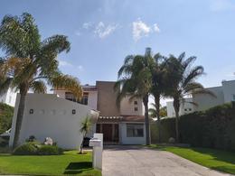 Foto Casa en Venta en  Fraccionamiento El Campanario,  Querétaro  Casa en venta colindante con área verde, El Campanario, Querétaro