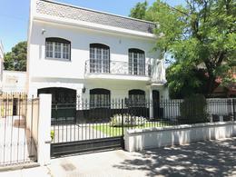 Foto Casa en Venta en  Lomas de Zamora Oeste,  Lomas De Zamora  Ramón Falcón al 200