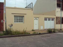 Foto thumbnail Casa en Alquiler en  Moron ,  G.B.A. Zona Oeste  Av Vergara al 100