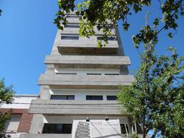 Foto Departamento en Venta en  Cipolletti,  General Roca  Avenida Alem al 600