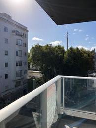 Foto Departamento en Alquiler en  Palermo ,  Montevideo  Apartamento de 2 dormitorios al frente, con balcón