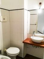 Foto Casa en Alquiler en  Carrasco Norte ,  Montevideo  PH a metros de tajes