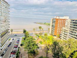 Foto Departamento en Venta en  Pocitos ,  Montevideo  VISTA AL MAR Y PLAZA GOMENSORO  2 garajes