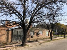 Foto Casa en Venta en  Res.Velez Sarfield,  Cordoba  Residencial Velez Sarsfield - Casa de 4 dormitorios! Esquina frente a plaza!