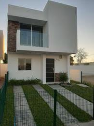 Foto Casa en Venta en  Culiacán ,  Sinaloa  CASA NUEVA DE 3 REC EN VENTA, PRIVADA CON ALBERCA
