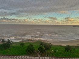 Foto thumbnail Departamento en Venta en  Malvín ,  Montevideo  Sobre Rambla, piso alto, 3 dormitorios, vendo ya!!