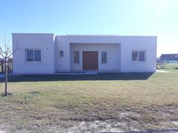 Foto Casa en Venta en  El Canton - Islas,  Countries/B.Cerrado  Casa estilo moderno a estrenar en lote interno. Barrio El Cantón