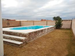Foto Casa en Venta en  General Pico,  Maraco  549 y RP 1 - Autódromo