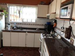 Foto Casa en Venta en  Lomas De Zamora ,  G.B.A. Zona Sur  Larrea 1712
