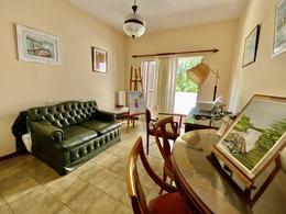 Foto Casa en Venta en  Acassuso,  San Isidro  Manzone al 100